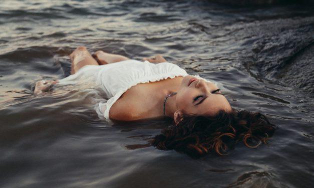 Proč hydratovat tělo zevnitř a zvenku