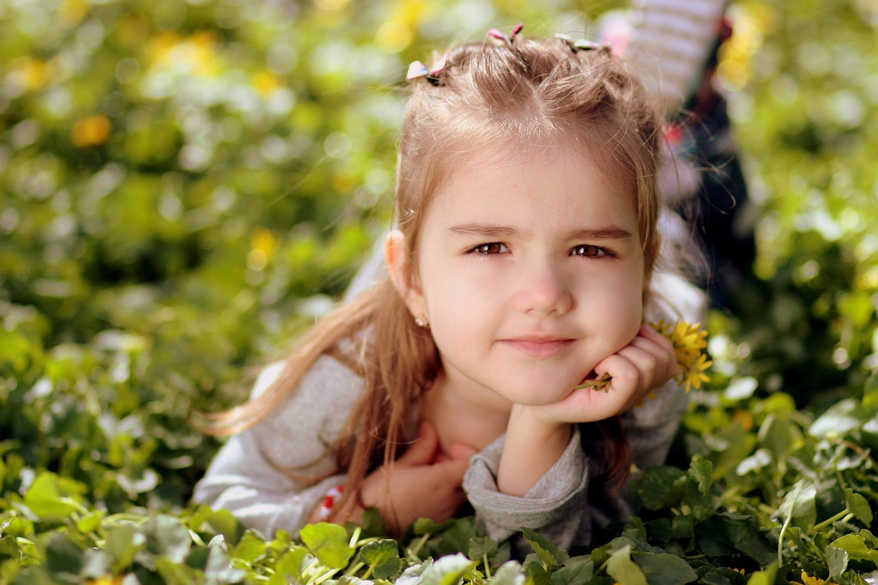Jaro a děti: jak přežít bez ztráty kytičky