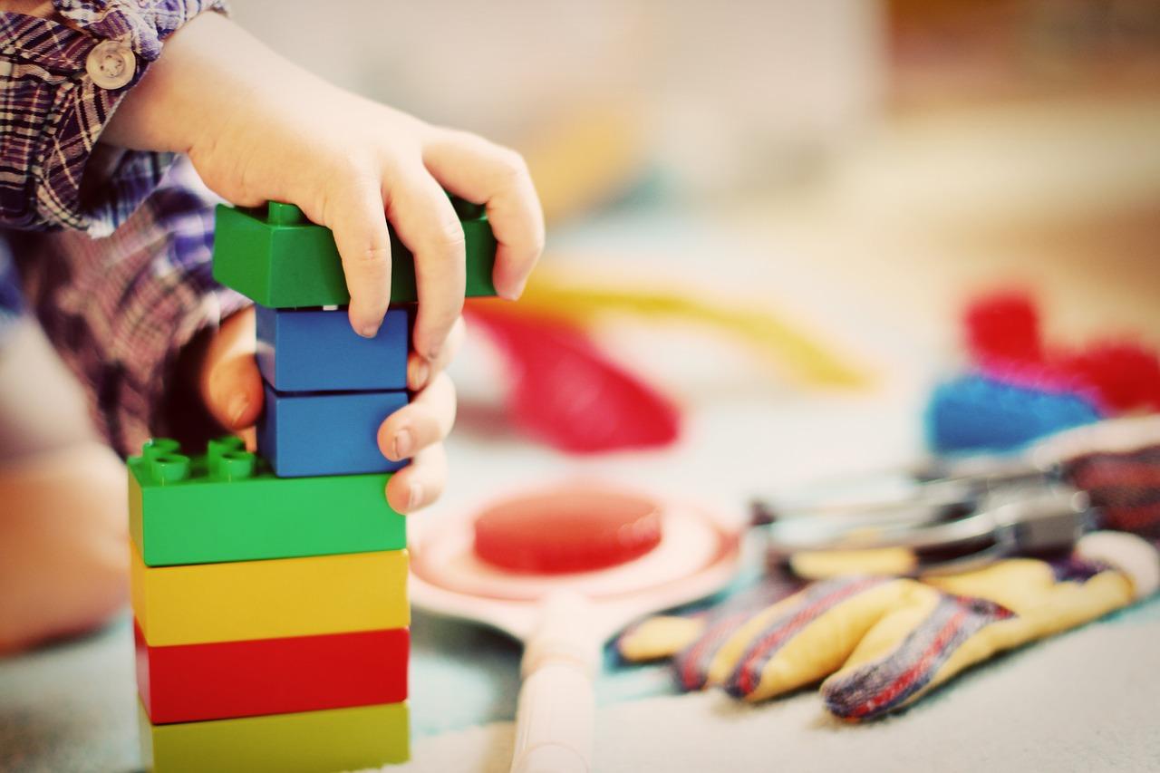 Jaké hračky vybírat pro dítě vpředškolním věku?