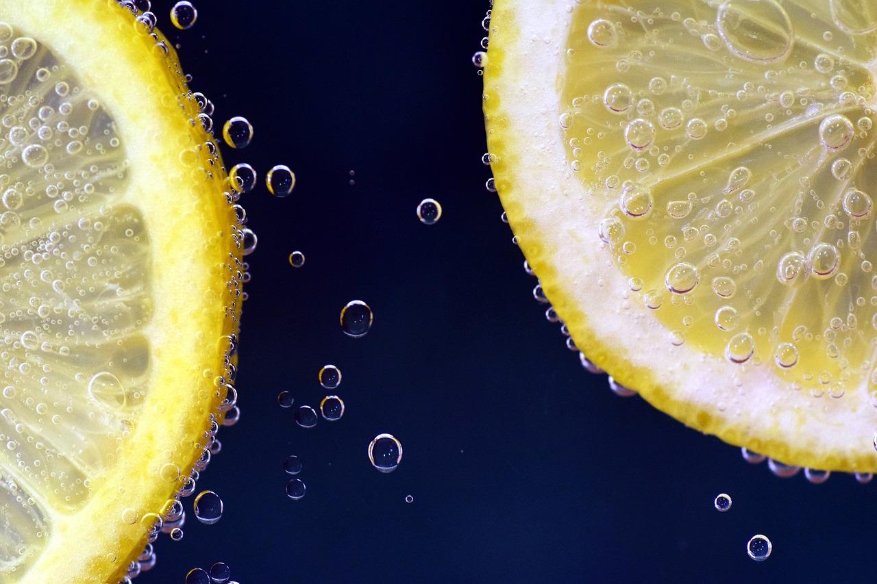 Účinné přírodní léky: citron a vaječné skořápky
