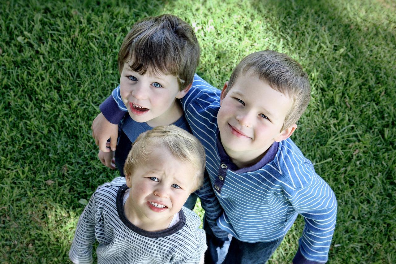 Jak narození ovlivňuje osobnost a chování dítěte